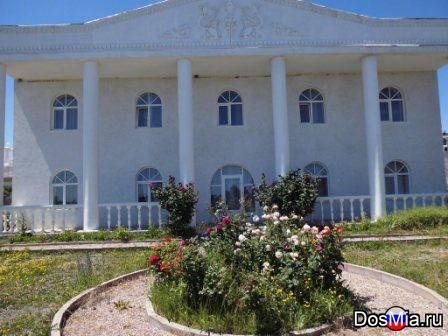 Продаётся 2-х этажный дом 565 м2 на участке 22 сотки в Алуште ЮБК