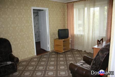 Квартира 2-х комнатная посуточно рядом с ТЦ Солнечный, Пермякова, 34.