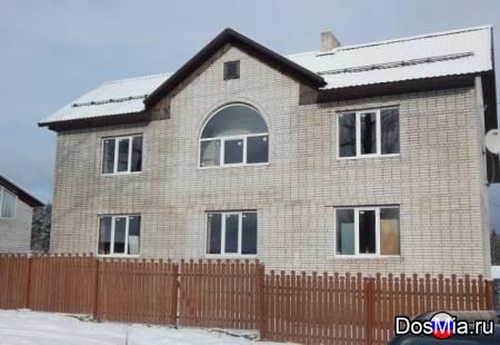 Большой дом, 2 гаража с ямой на участке 14 соток.